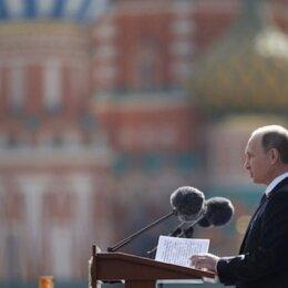 Impresionante desfile en la Plaza Roja de Moscú por el Día de la Victoria